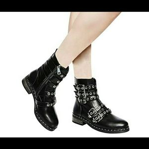 Shoes - ✴BLACK BUCKLE STRAP COMBAT ANKLE BOOT-NIB